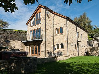 Luxury+Hen+Party+House+&+Family+Retreat+Sleeps+20+with+Hot+Tub+++Holiday Rental in West Yorkshire from @HomeAwayUK #holiday #rental #travel #homeaway