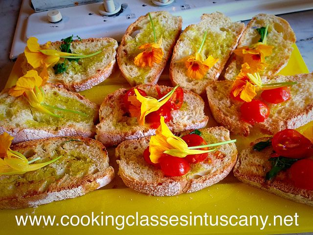 Crespina: cookery, nature trail, wild edible herbs for a very nice family from England to Tuscany...and our Bruschetta recipe!