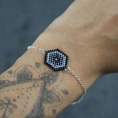 Bracelet hexagone noir avec chaîne en argent 925