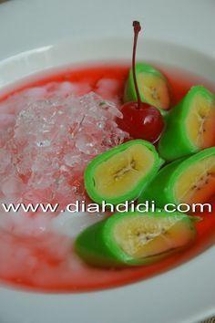 Diah Didi's Kitchen: Es Pisang Ijo ( Versi Pakai Terigu )