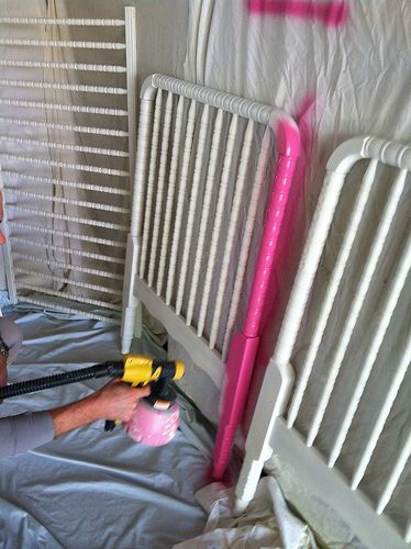 how to spray paint / paint your baby's crib and have it look fabulous.