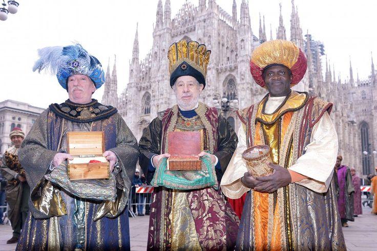 Epifania, i Re Magi arrivano a Milano: 120 figuranti al corteo storico in piazza Duomo