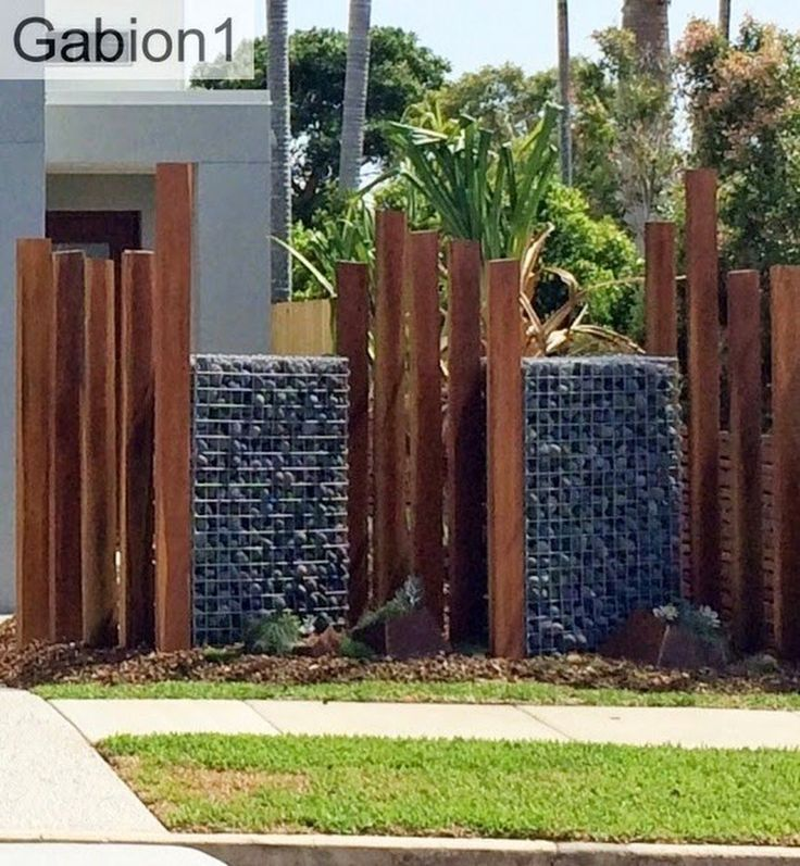 13 Impressive Garden Fencing Mulches Ideas In 2020 Backyard Fences Modern Fence Garden Fencing
