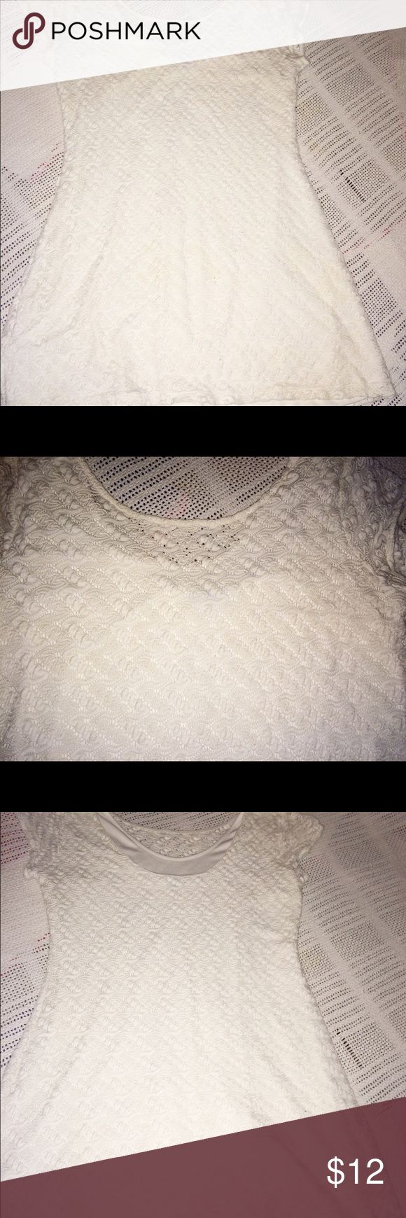 XL CREAM MINI DRESS THAT IS EXTREMELY FLATTERING Worn only once!  Beautiful lace/ crocheted look dress Apt. 9 Dresses Mini