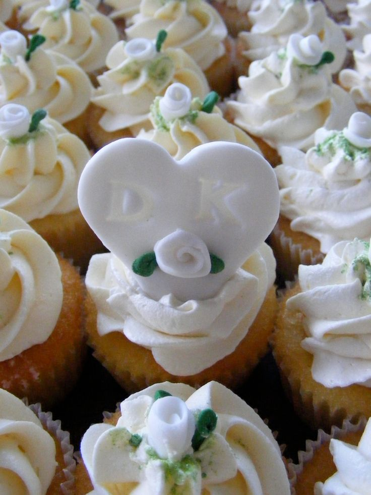 Personalized  cupcakes by Di aime