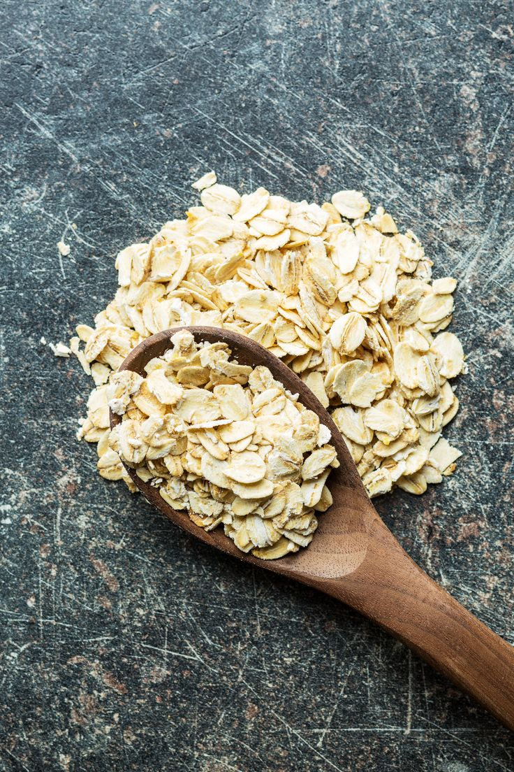 Healthy Skin Secret : Oats are a rich source of antioxidants that help reduce inflammation and skin irritation. Oats also help soothe sunburn and mitigates damage done to the skin.   #naturalskincare #greenbeauty #supernatural #natural #naturalbeauty #vyanaturals