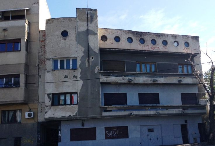 Unirii – Mircea Voda, vanzare imobil P+2+Pod, suprafata totala de 680mp, cu amprenta de 170mp, teren in suprafata de 193mp cu deschidere la 2 strazi. Cladirea a fost construita in 1935, cu p…