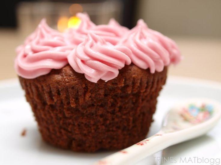 Sjokocupcakes med bringebærfrosting