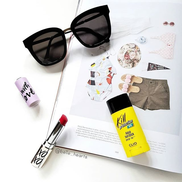 Summer basics  . Happy to be back to sunnier & warmer weather in Singapore after 6 days of rain in Taiwan. Today's essentials with my fave pair of @gentlemonster sunnies a pop of colour with a vibrant red lippie and of course sunscreen is a must! PS. Happy Valentines Day everyone!  . . . . . . . . . . . . . . . . . #sydneybloggers #makeupblogger #makeupflatlay  #postitfortheaesthetic #ausbeautybabes #newbieswhoblog #beautycommunity #bloggerflatlay #beautyroutine #iheartmakeup #whywhiteworks…