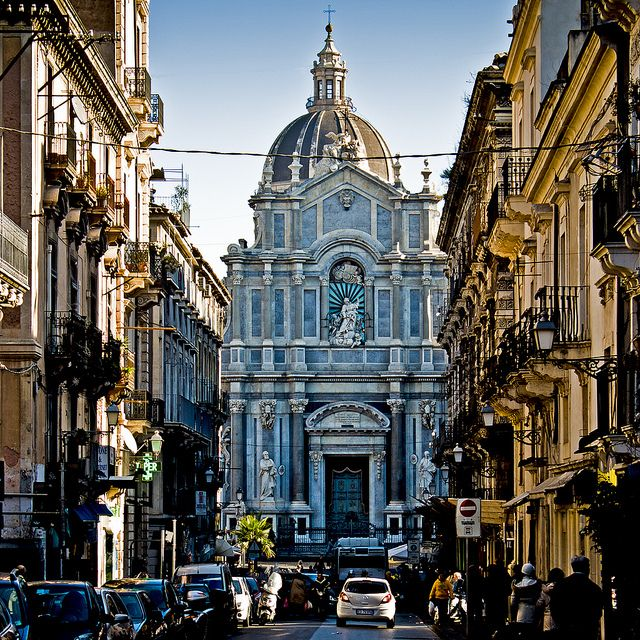 Catania, Italy                                                                                                                                                      もっと見る