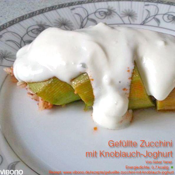 Gefüllte-Zucchini-mit-Knoblauch-Joghurt