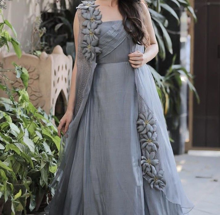 Pin By Soniya Oza On Special Dress Indian Gowns Dresses Dress Neck Designs Fashion Dresses