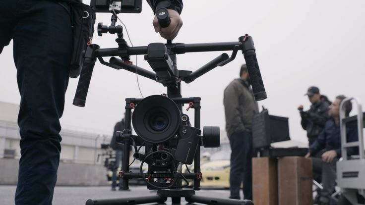The Ronin-MX is DJI's first gimbal designed for use on the ground and in the air. With a newly designed two-point cage, the system is capable of continuous 3...