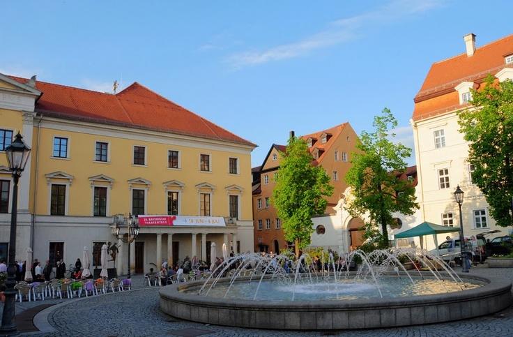 Bismarckplatz Regensburg - 15 min. walking distance from Hansa Apart-Hotel Regensburg