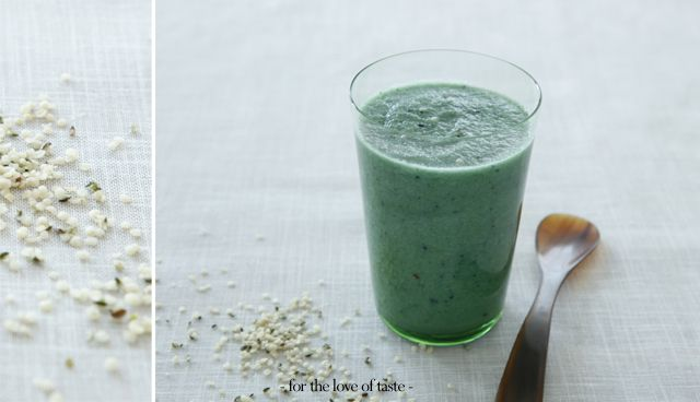 Green Gold smoothie #vegan #superfood # supergreens # delicous by  http://fortheloveoftaste.wordpress.com/2013/04/12/green-gold-smoothie/
