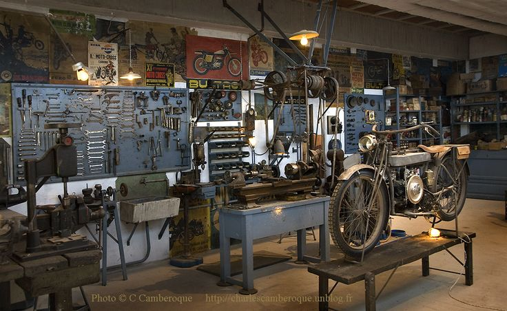 #vintagemotorcycle garage