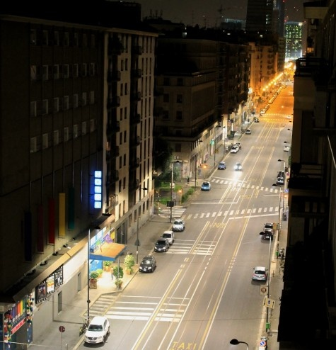 Night streets - Corso Buenos Aires - Milano