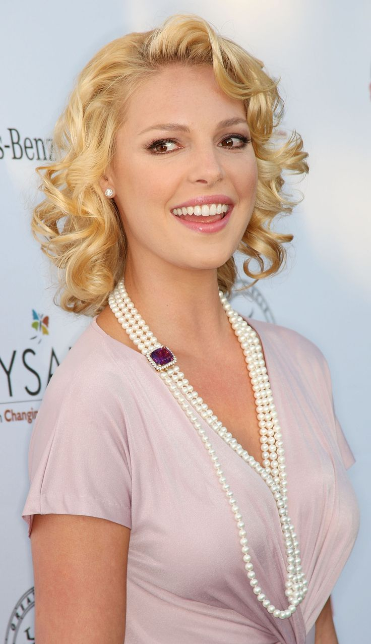 Katherine Heigl -she is so gorgeous, funny, and a spectacular actress