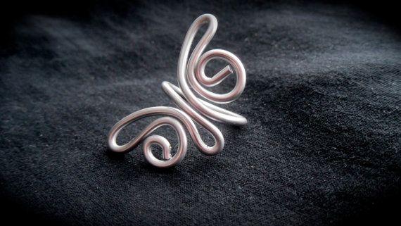 Plata anillo mariposa  alambre envuelta por AshleyParticaDesign, $14.00