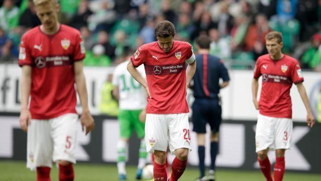 Enttäuschte VfB-Spieler nach dem Abstieg