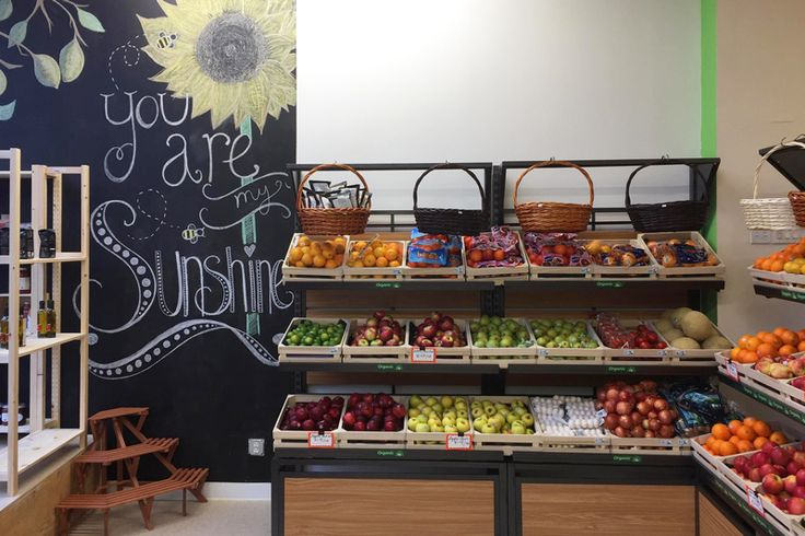 An upstart natural and organic grocery store debuts in New Rochelle, offering healthy food choices made easier.
