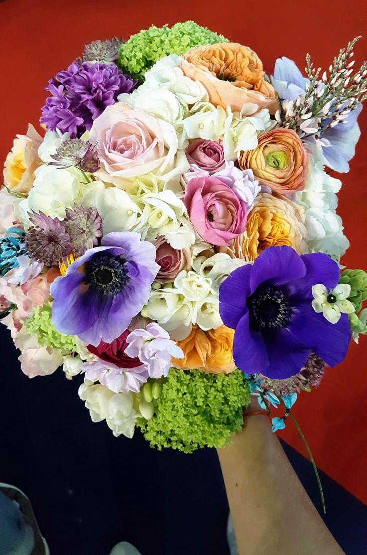 Anemone & ranunculus bridal bouquete.