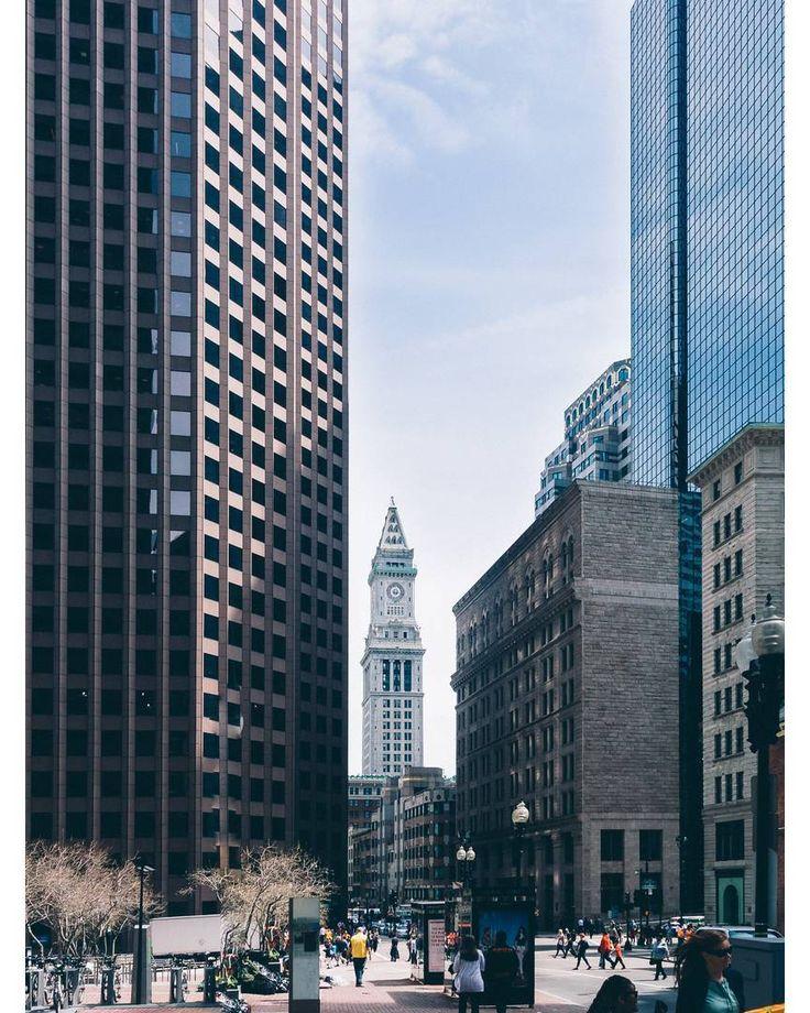 Ну как же: кроме Вас из нашего ЖЭКа там никто не был; тема лекции: Нью-Йорк  город контрастов!  А я не был в Нью-Йорке  А где же Вы были?  Я был в Бостоне  Пожалуйста Бостон  город контрастов  какая разница  объявление перепишем      #citylife #cityscape #downtown #skyline #boston #america #igersboston #igboston #building #bostondotcom #buildings #bostonusa #town #europe #iheartboston #massachusetts #igersmass #skyscraper #architecturelovers #igersnewengland #travelling #newengland #cities…