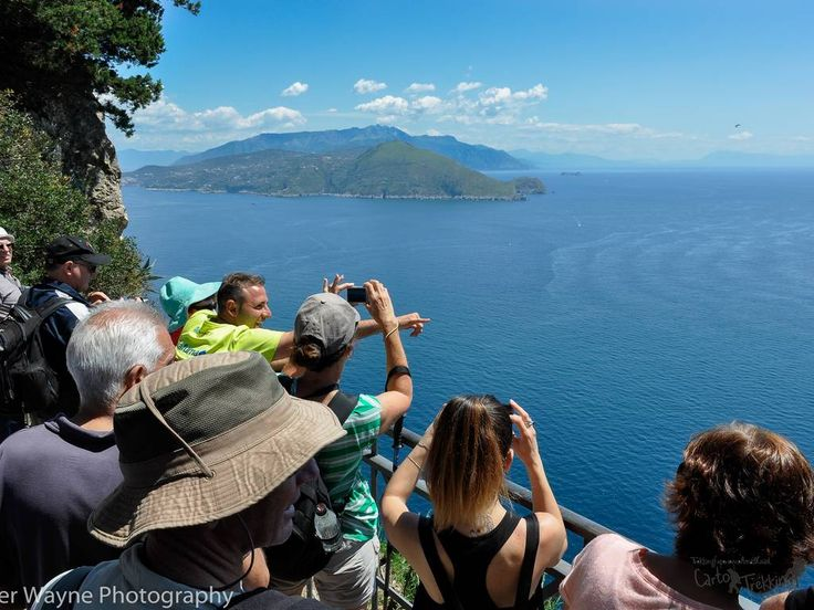 The Island of Capri present many nice paths. Once you come in Capri book guide you be enchainted by its beauty. Visit the island walking and find hiking maps