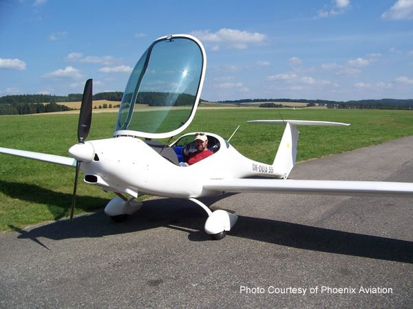 The glider in the picture on the right is a Phoenix LSA Self-Launch Glider, manufactured by Phoenix Aviation.