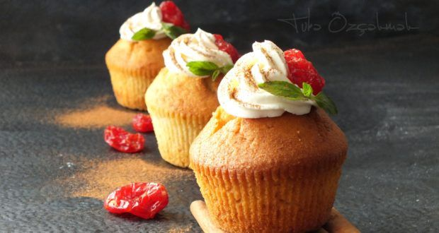 Yaş Pasta Keki  Pandispanya MALZEMELER       //    5 adet yumurta ...