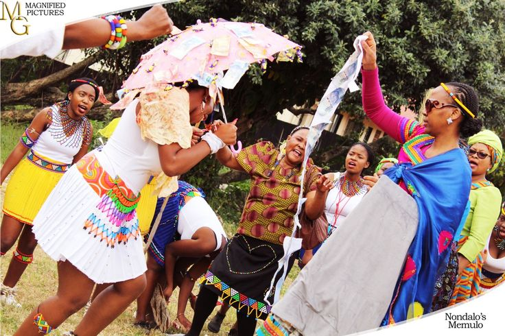 In the Memulo celebration, the community gifts the maiden with money and gifts. #ZuluGirl #African #Zulu #ZuluCulture #MyCulture  #Nondalo