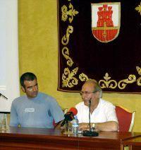 San Roque: Enrique Guzmán comenta su subida a la primera de las cumbres del tricentenario