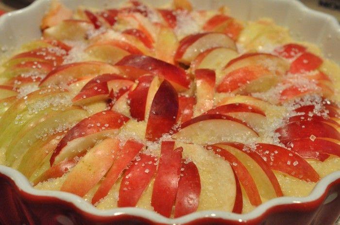 æbletærte med marcipan æbler æblemazarin æblekage med marcipan æblekage æbledessert Urtekram rørsukker tærte med marcipan og æbler smær mazarinkage med æbler marcipan lun æblekage luksus æblekage  Smuk smørbagt æblemazarin med rigeligt marcipan