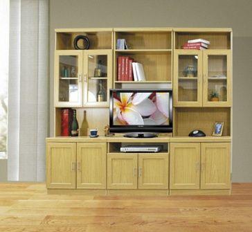 Комплектация стенки - как на фото: полка под телевизор, широкая нижняя ниша под аудио-видео аппаратуру, 3 нижних 2-дверных тумбы, 2 верхних 2-дверных шкафчка со стеклянными дверцами, 6 ниш - для хранения предметов