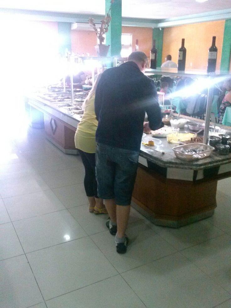 Almoço porque ninguém é de ferro http://goo.gl/fp1hNF