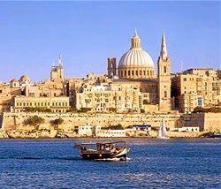 trasferirsi sull'isola di Malta  http://www.smetteredilavorare.it/2014/10/vivere-a-malta-acquistare-casa-pochi-soldi.html