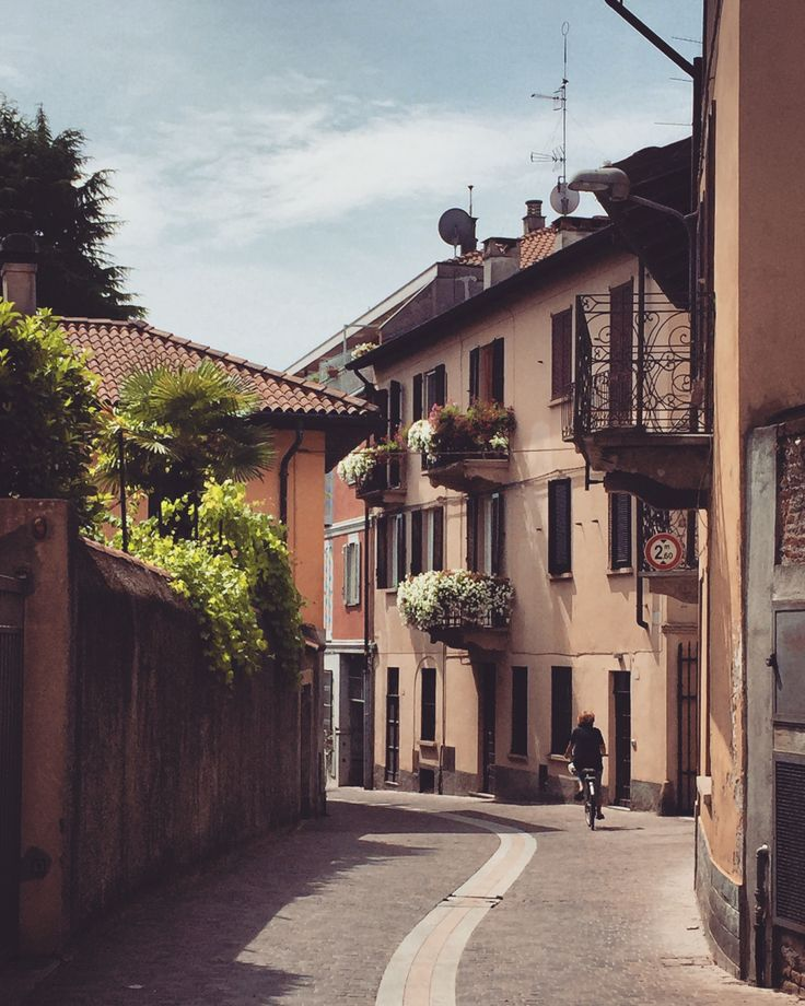 Angera,Lombardia,Italia