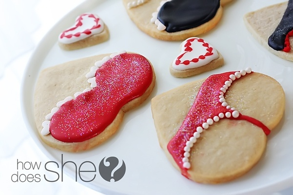 lingerie sugar cookies - going to attempt these for valentines day :)