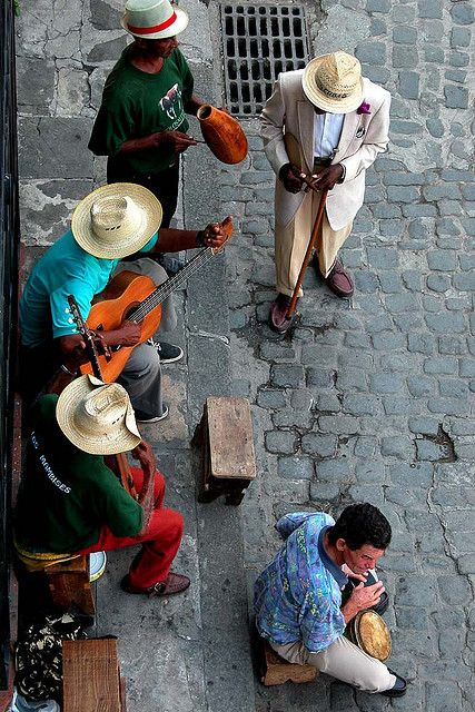 ...the streets of Havana.. now I wanna dance!