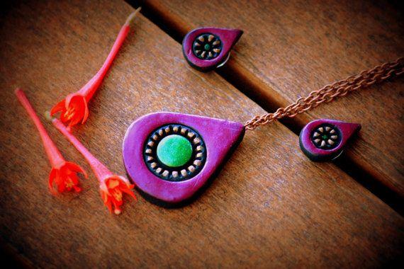 Purple terracotta pendant and stud, ethnic terracotta jewelry set, womens jewelry, festival jewelry, girsl jewelry, polymer clay jewelry