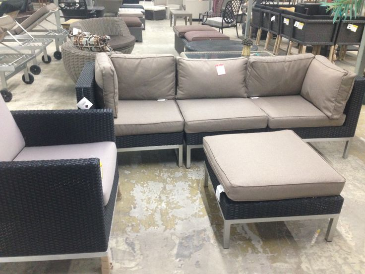 Dot Corner $200 Middle Chaie $230 Single chair 320 200 Ottoman $100 Delivery