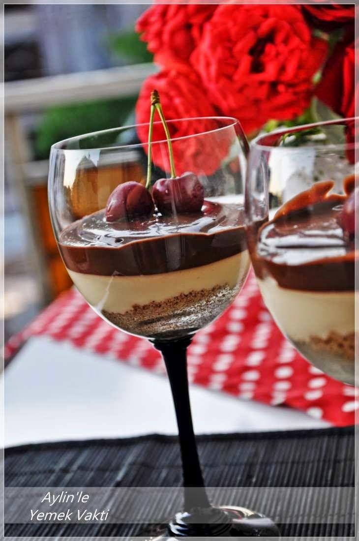 En İyi Yemek Tarifleri Sitesi-Yemek Vakti: Karamelli Çikolatalı Kup