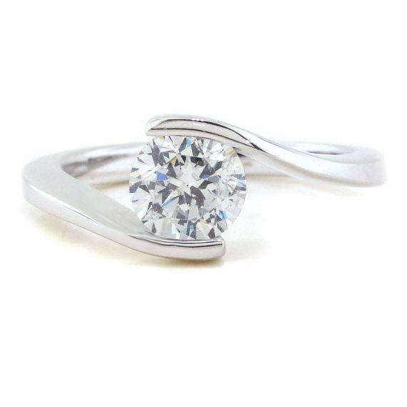 Bypass Solitaire Moissanite Engagement Ring - Solitaire Swirl anillos de compromiso | alianzas de boda | anillos de compromiso baratos http://amzn.to/297uk4t
