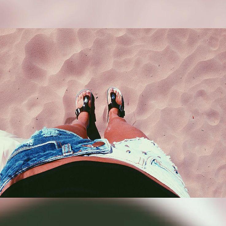 Narva-Jõesuu chill ☀️ #holiday #relax #beach #sand #sun #summer #narvajoesuu #meresuuspa #ootd Add me on snapchat for more photos and videos: anitasibul