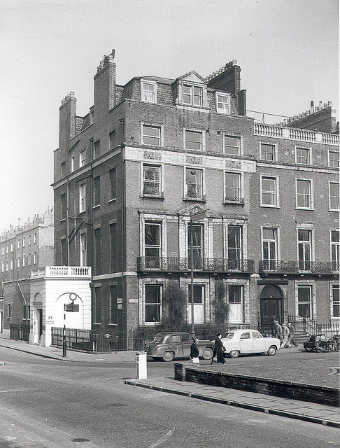 Faber's original building in Bloomsbury at 24 Russell Square, London.