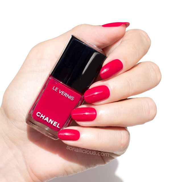 Que Significa Black Nail Polish: The New Chanel Long-Wear Nail Polish: Is It Really That