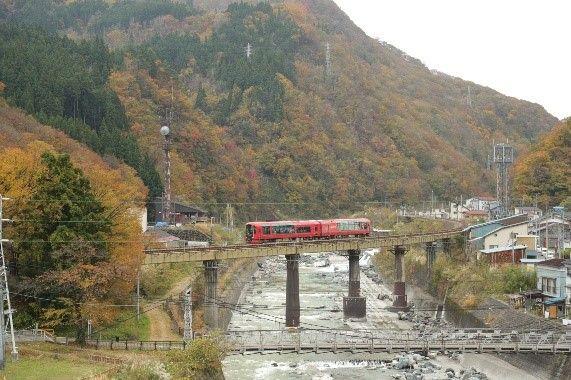 えちごトキめきリゾート雪月花が初めて大糸線に乗り入れました。 | えちごトキめき鉄道株式会社