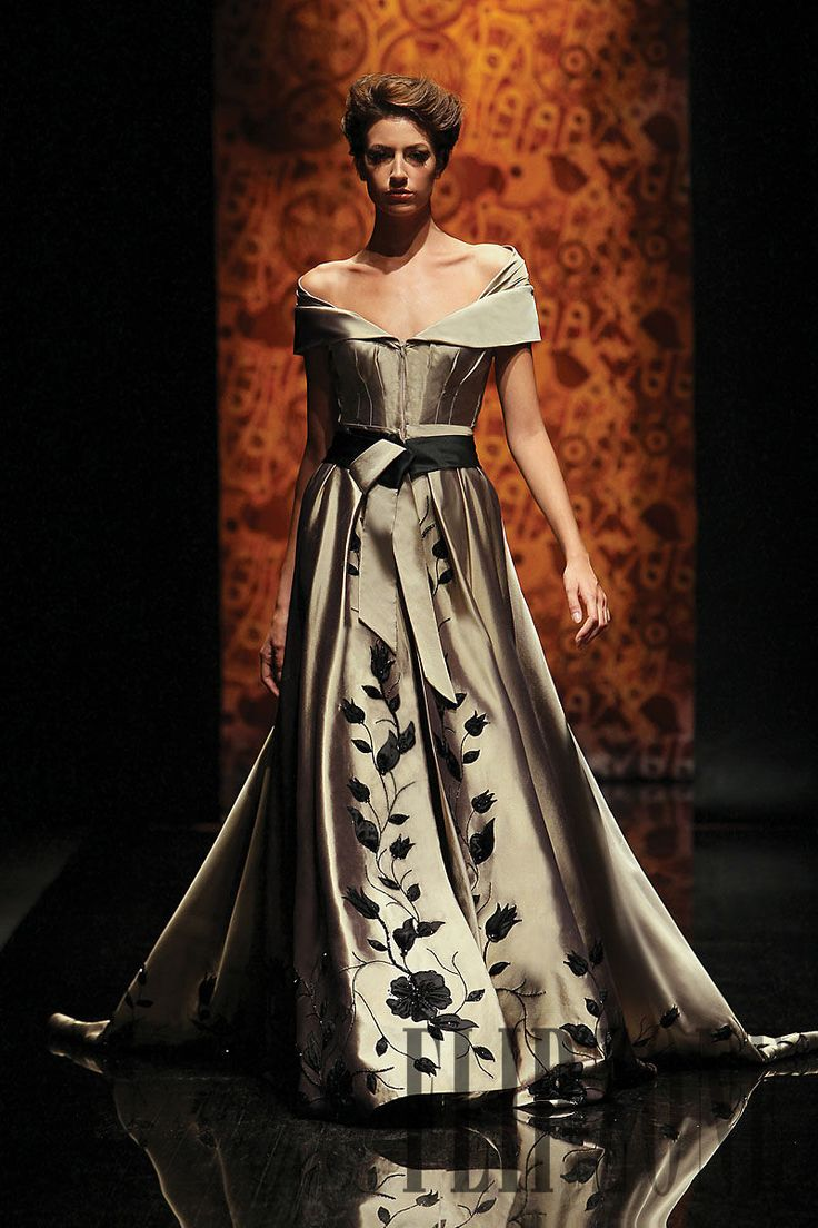 "Randa Salamoun ""Moments collection"", F/W 2010-2011 - Couture - http://www.flip-zone.com/fashion/couture-1/independant-designers/randa-salamoun-1861"