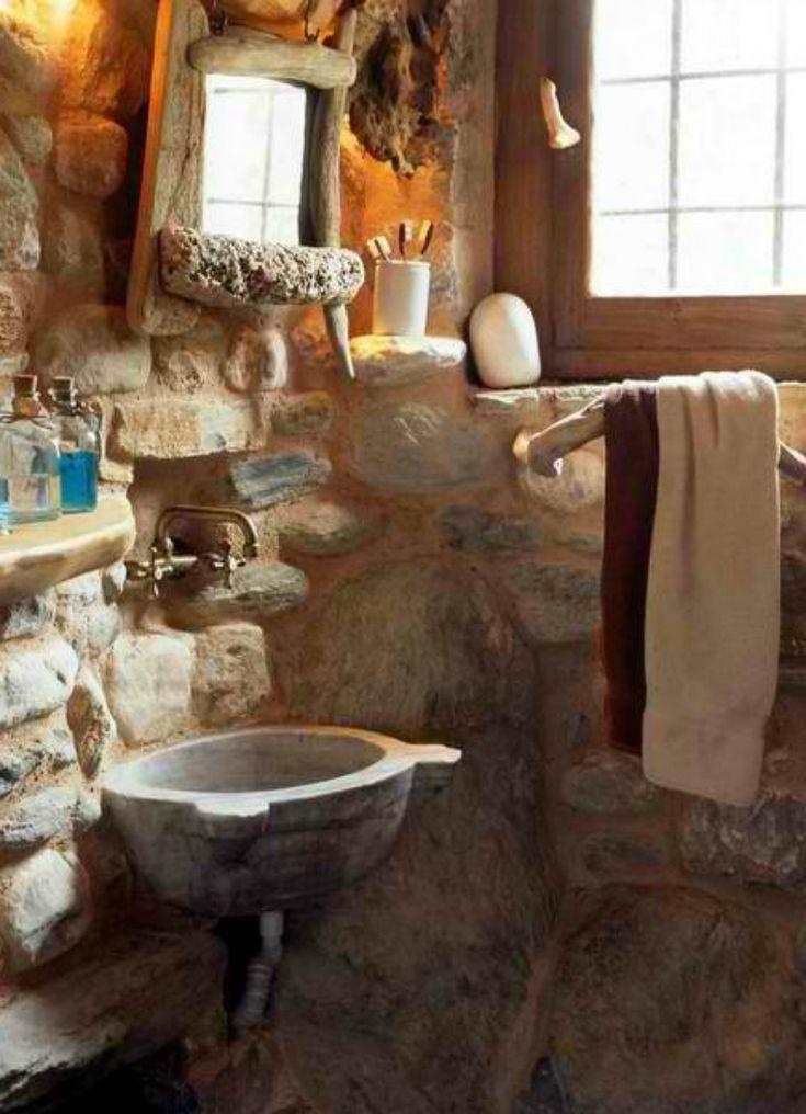 Δείτε πόσο όμορφο δείχνει αυτό το μπάνιο που είναι χτισμένο με πέτρα.