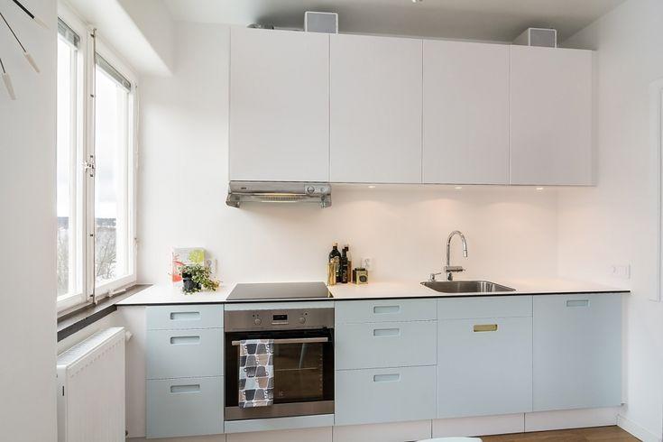 Bänkskiva i kompaktlaminat Vit med Svart kärna. Passar även kök från Ikea.